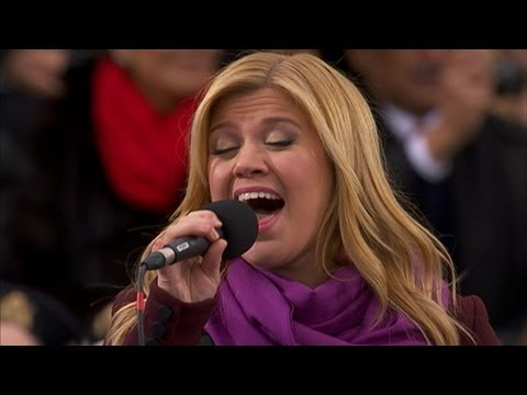 Kelly Clarkson Sings 'My Country, 'Tis of Thee' at Inauguration Day 2013