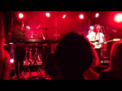 Camera Obscura - Break It To You Gently (live at the CCA, Glasgow)