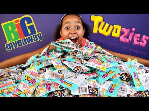 1.5 MILLION SUBSCRIBERS! Huge Surprise Twozies Giveaway! Toys AndMe ❤️