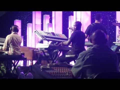 John P Kee i Do Worship video