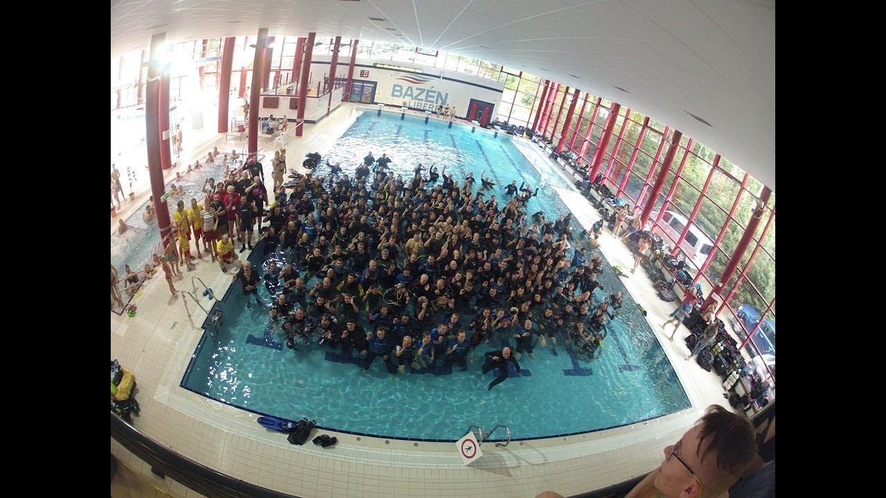 Video Nejvíce potápěčů v potápěčské věži