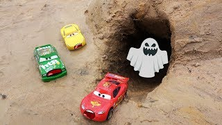 Disney Cars Toys Lightning Mcqueen Saw the ghost in the cave.