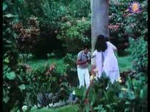 Mausam Kitna Pyara Hai - Debashree Roy & Shashi Puri - Phulwari video