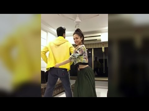 Sanjeeda Sheikh & Aamir Ali HOT Beat Pe Booty Dance