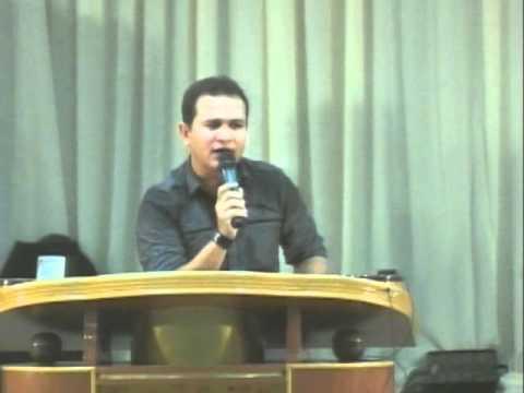 Davi Sacer - O Deus Qeu Surpreende