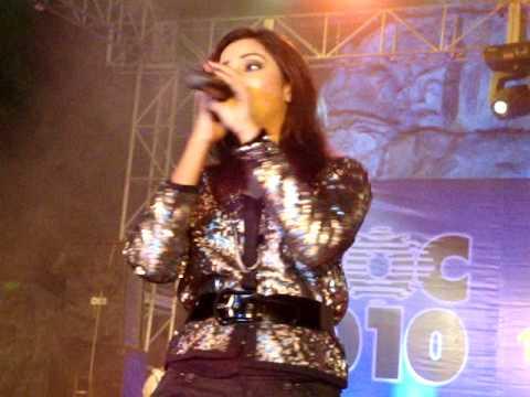 Shreya Ghoshal Live- Tujhme Rab Dikhata Hai  AIOC Kolkata