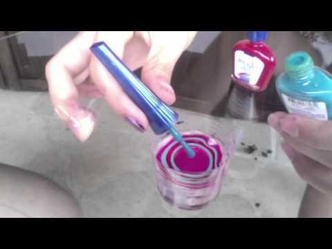 Tecnica con agua para pintarse las u as youtube for Como pintarse las unas con dibujos