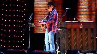 "Neil Young ""Old Man"" @ Farm Aid 2013"