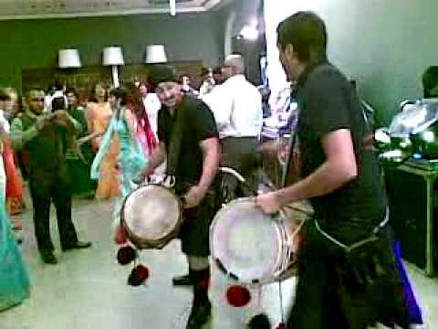 dhol players