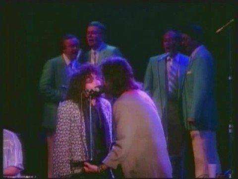 Rosanne Cash - No Memories Hanging Round