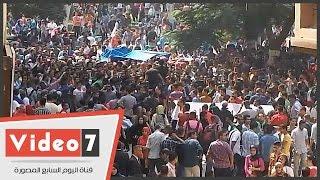 بالفيديو.. طلاب إخوان عين شمس يتظاهرون أمام قصر الزعفران