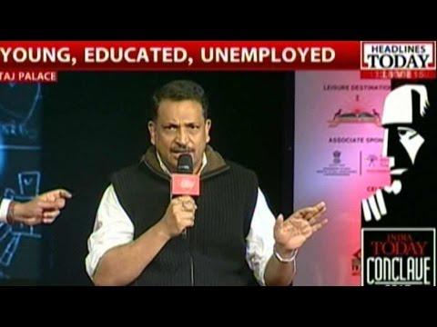 Chetan Bhagat Encourages Entrepreneurship, Discusses Job Scene In India