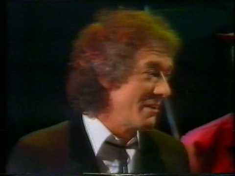 The Hollies - Interview - Take My Love And Run