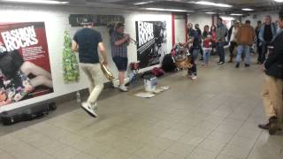 A band from Union Square - Too Many ZOOZ