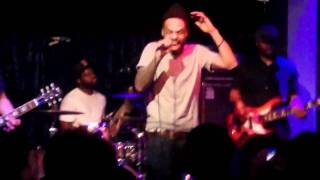 Bilal - Think It Over (Live in HD @ Jazz Cafe, London 10-4-11