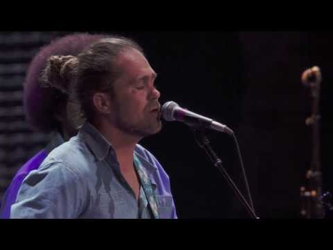 Citizen Cope - Bullet And A Target (Crossroads 2013)