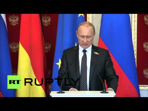 Russia: Vladimir Putin welcomes Merkel and encourages end to sanctions