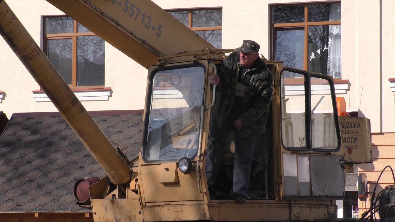 """""""Різдвяні"""" хатинки у Калуші """"впиралися"""" демонтажу"""