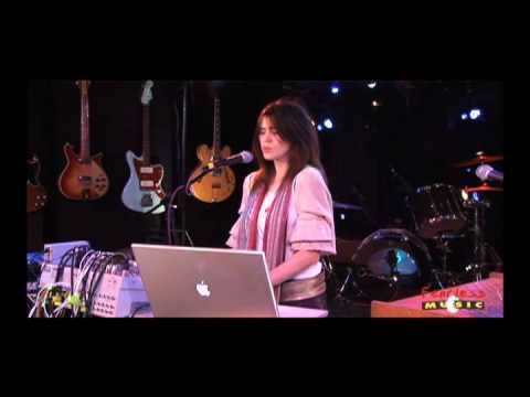 Imogen Heap - Goodnight And Go - Live On Fearless Music