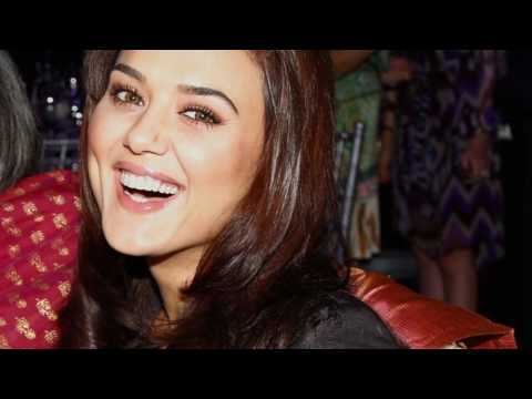 Preity Zinta; Style And Beauty Go Hand In Hand. 1080p (picture Video) Hd video