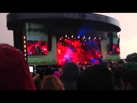 Rihanna - Barclaycard Wireless Festival 2012 - Man Down