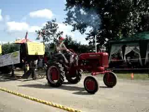 Farmall Cub Tractor Pull Video