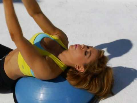 CLAUDIA MOLINA WORKS HER CHEST! Video