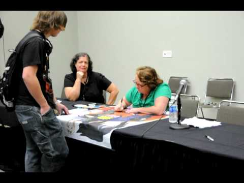 OTAKON 2010: Maile Flanagan says 'BANKAI!'