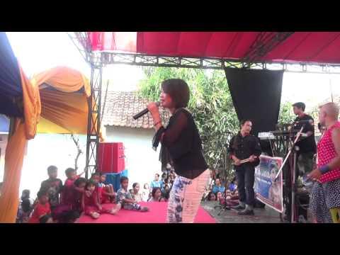 Demen Mlayu - Mlayu - Lina Paulina   Arnika Jaya Live Suci - Mundu - Cirebon