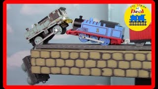 THOMAS THE WORLD'S STRONGEST ENGINE Thomas and Friends Trackmaster Gordon Henry  Lexi Molly