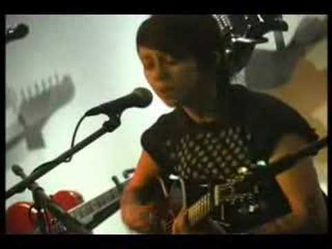 Tegan & Sara - Living Room Acoustic