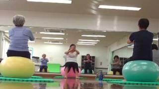 バランスボールエクササイズ~骨盤リセット体操