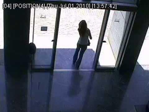 Chicas - Problema con puerta automática