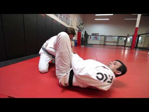 Jiu Jitsu Techniques - Triangle From Spider Guard Image 1