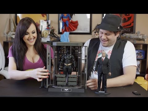 Batman Armory with Alfred Pennyworth Sideshow Hot Toys Unboxing