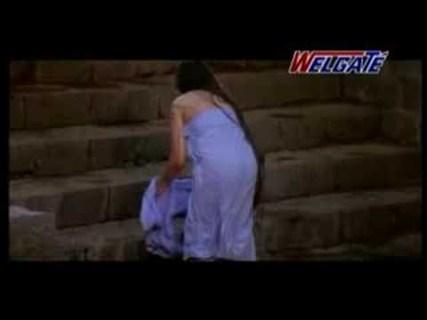 Beautiful Malayali Woman Kuliscene video