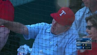 SEA@TEX: President Bush takes in game on Opening Day
