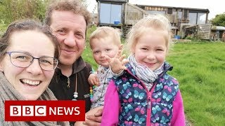 How do you live off-grid? - BBC News