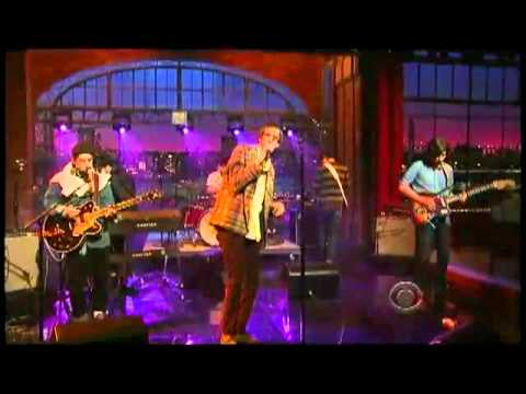 Deerhunter perform Memory Boy on David Letterman (February 22, 2011)