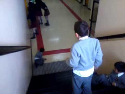 Chistosas Caidas en Video Caidas Chistosas en la Escuela