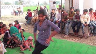 इस लड़की के डांस के झटके ही निराले है मां ओमप्रभा देवी पब्लिक स्कूल के उद्घाटन के अवसर पर