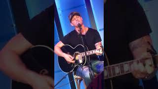 Download Lagu Brett Young at CMA Vevo Live Gratis STAFABAND