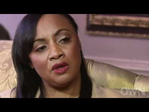 Oprah Winfrey interviews members of Whitney Houston's family