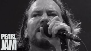 Watch Pearl Jam Amongst The Waves video
