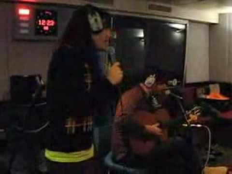 The Mighty Boosh - Do You Love Me/Love Games (acoustic)