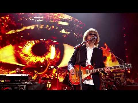 JEFF  LYNNE'S & ELECTRIC  LIGHT ORCHESTRA- Live at Hyde Park 2014 002 Evil Woman