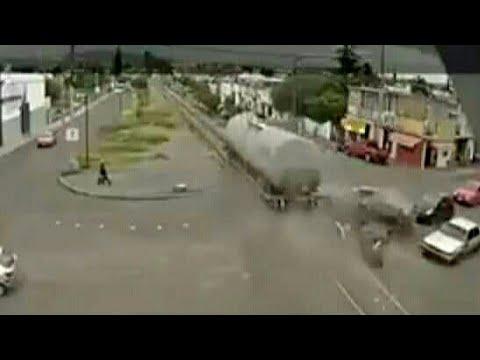 Vagónes Sueltos a Alta Velocidad en San Juan del Rio, Querétaro...??