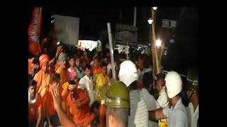 पश्चिम बंगाल में चुनावी हिंसा चरम पर, अमित शाह के रोडशो में हुई आगजनी, TMC समर्थकों पर लगा आरोप