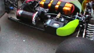 Tekin RX8 in Losi 8T with 4S lipo testing
