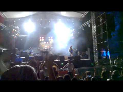 Dios Salve a la Reina en Costa Rica - Radio Ga Ga - We Will Rock You - 16-04-16